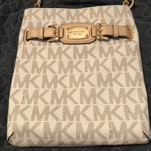 Michael Kors Handbags - Michael Kors jet set crossbody, vanilla/gold
